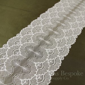 "7"" Wide Off-White Stretch Flower Fan Lace Trim"