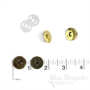 Set-In Magnetic Snaps in Four Colors, 18mm Diameter